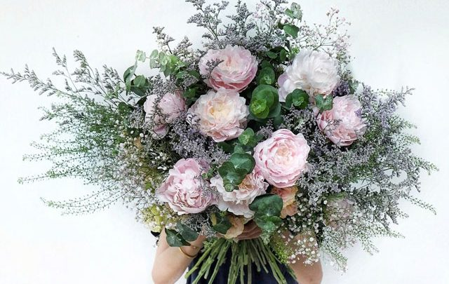 Buy Flowers in Singapore to Beautify Your Home